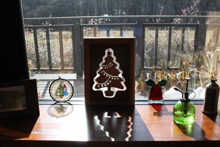 クリスマス・オーナメント. 美しい光と影に見とれてしまいます