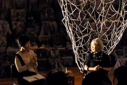 左:光田由里さん(美術評論家 渋谷区立松濤美術館学芸員)