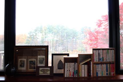 喫茶室の窓辺の風景 その2