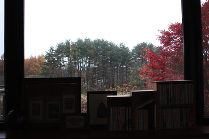喫茶室の窓辺の風景 その1