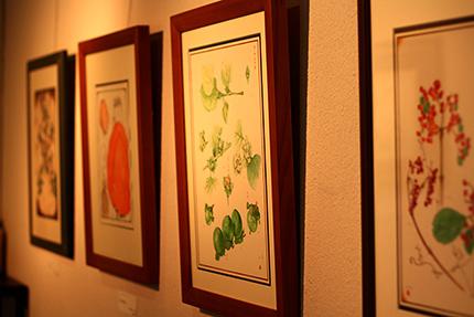 2階ギャラリー部分 渡辺隆次 水彩 『山のごちそうシリーズ』から