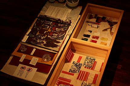 第一展示室。 渡辺禎雄の愛用の制作道具など